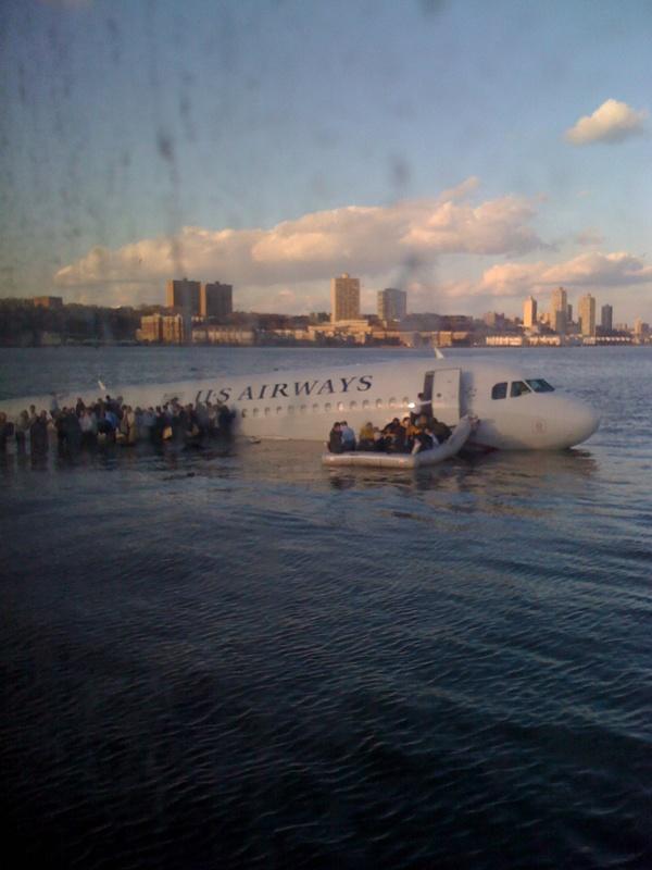 Twitter plane in the Hudson